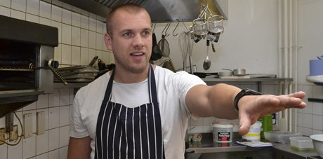 Head Chef, Simon Ayres